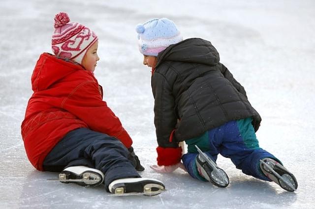 Дети на ледовом катке